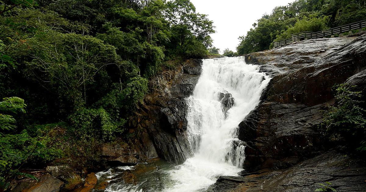 കാന്തൻ പാറ waterfalls